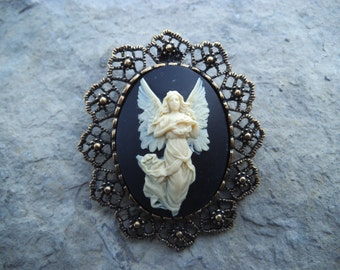 2 in 1 - Guardian Angel with Wings Cameo Brooch/Pin/Pendant Beautiful Detail and Great Quality!!!! Christmas, Holiday