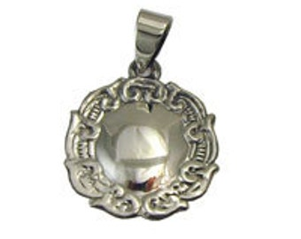 Medium Engravable Round Pendant SSPD288