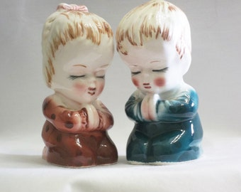Now I Lay Me Down, Praying Children Salt and Pepper Shakers