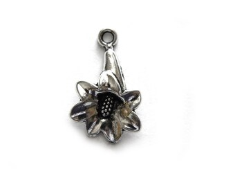 6 Silver Flower Charms