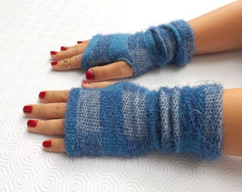Blue knitted fingerless gloves. Thick knit gloves. Plaid arm warmers.