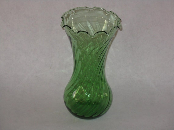 Green glass vase ruffled edge spiral by AaronsArtichokeAlley Vintage Ruffled Edge Glass Vases For Sale