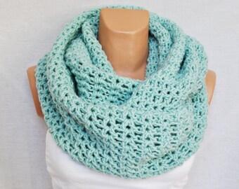 Crochet infinity scarf -Mint infinity scarf