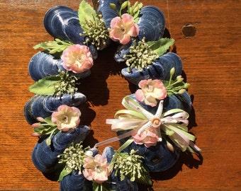 Oval Mussel Wreath (flower)
