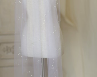 Pearl speckled elbow length veil----v111