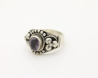 Vintage Chunky Sterling Silver Artisan Ring w Bead and Flower Design Sz 7. [1099]