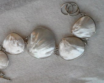 Vintage from 1980's with biwa large chatoyant pearl bracelet