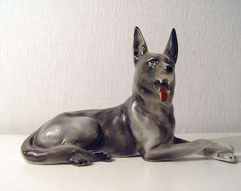 Dog Vintage Figurine. Wałbrzych Poland Porcelaine.