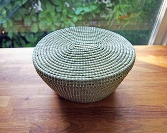 African Lidded Oval Sweetgrass Basket- Natural