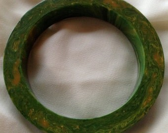 1930s Vintage Bakelite Richly Marbled Green & Orange Bangle Bracelet