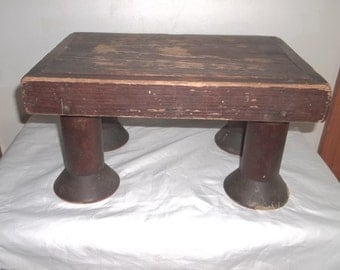 Vintage footstool, hand made, well worn wood, primitive, circa 1900 (161599313038)