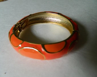 Enameled bangle bracelet