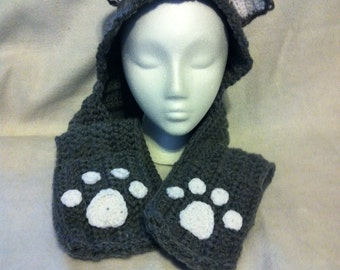 Scoodie: hooded scarf with pockets