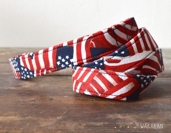 Leash for dog model American Heartbeat. Handmade with 100% cotton fabric and webbing. Two width available. Wakakan