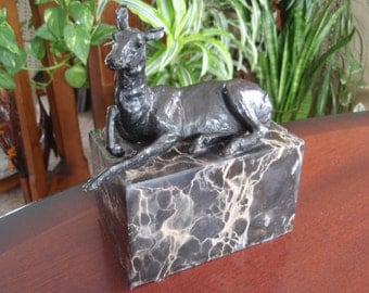Bronze Lying Deer Sculpture on Marble Base Signed LC Arvin Collectible Statue Fugure Home décor L1546