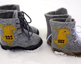 Felted children snow boots Felt boots Felt baby shoes Kids felted shoes Winter booties Felted shoes Winter boots