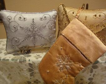Christmas Pillows/Holiday/Vintage Christmas