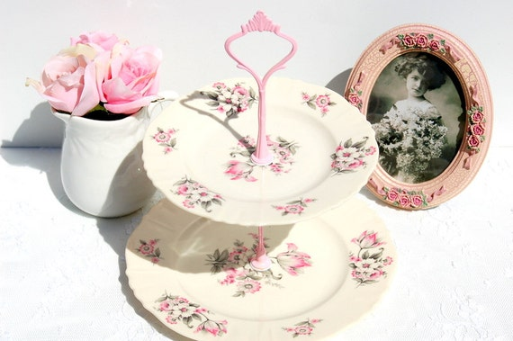 Vintage 2 tier cake/cupcake stand/jewelry display.Pink