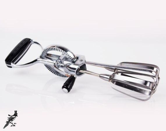 Manual Hand Mixer ~ Oekcoo hand mixer with black handles vintage egg beaters