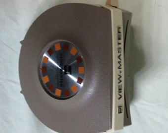 GAF Viewmaster lighted stereo viewer