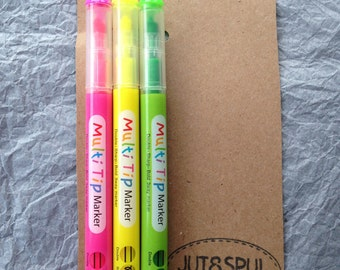 Markers, 3 ways writing (3 way), 3 colors, green, pink and yellow (Green Pink and Yellow)