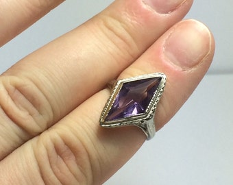 Antique Amethyst Ring / victorian Filigree Ring / White Gold