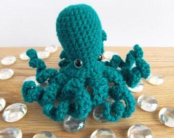 Happy emerald Amigurumi Octopus small