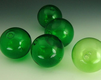 Hand Blown Hollow Glass bubbles 13mm kelly green. Lot of 6