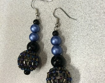 Midnight blue, dark blue earrings, blue sparkle, dark sparkle, new years earrings, nightlife earrings, blue party earrings