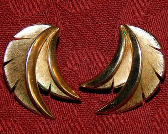 Vintage Crown Trifari Gold Earrings, Clips
