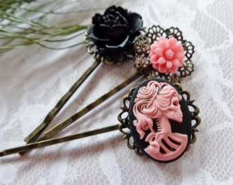 Pink And Black Lolita She Skull And Roses Hair Clips
