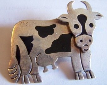 Fun Vintage Sterling silver TAXCO inlay Onyx MEXICAN moveable cow brooch