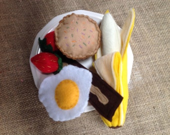 Felt food set. Six pieces in this Breakfast set. Felt bacon and egg, muffin, banana and berries for play kitchens. O, my!