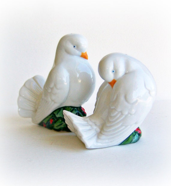 Vintage Avon Salt And Pepper Shakers Beautiful White Christmas