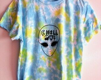 Chill out alien t-shirt