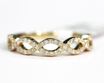 14k *Solid Yellow Gold Diamond Bandwith .27ct in Total Diamond Weight
