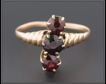 Antique Victorian Garnet Gold RIng, 14k Gold, 3 Stone