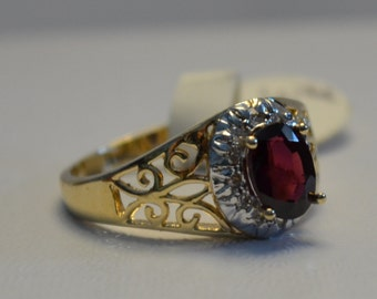 FREE SHIPPING! Vintage Garnet and Diamond Ring – Great Deep Color – pp117