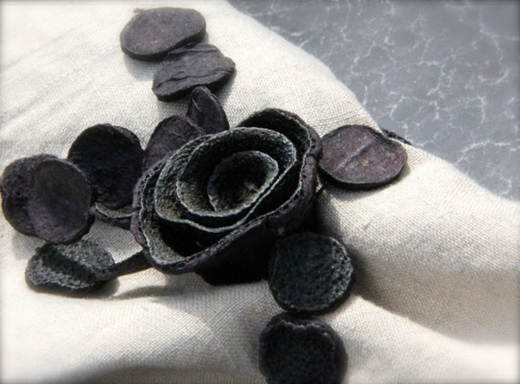 unique and handmade charcoal flower napkin rings set