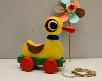 Duck painted wooden toy DDR Design 70s 80s Vintage Toll