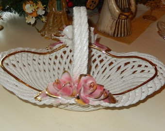 iITALY CAPODIMONTE LATTICE BOWL with Handle and Roses
