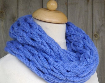 Merino Snood: sky blue