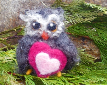Needle Felted Valentine Owl, Gothic Owl, Felted Owl Ornament, Valentine's Day Gift, OOAK Wool Owl, Sweetheart Owl