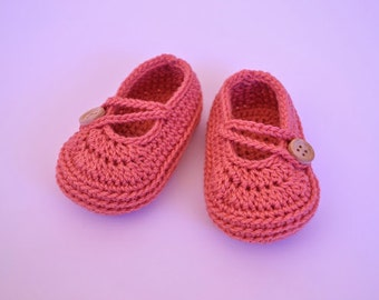 Japanese-style simple ballerinas. Crochet baby shoes.