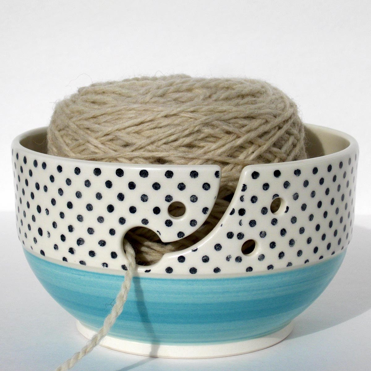 Knitting bowl Large ceramic polka-dot wool bowl