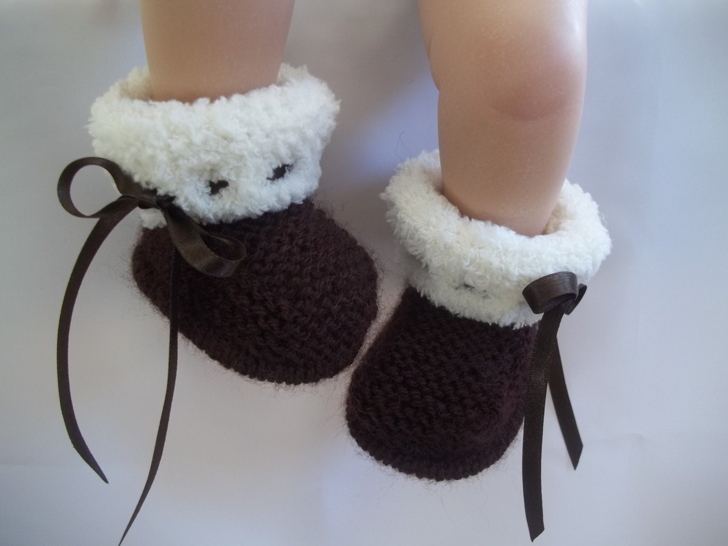 Knitted Baby Uggs Pattern : Knitting Pattern instant download for baby ugg style