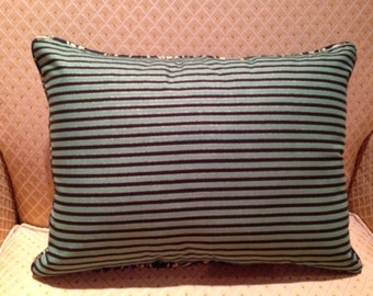 Saint Patrick Day pillow cover with stripes