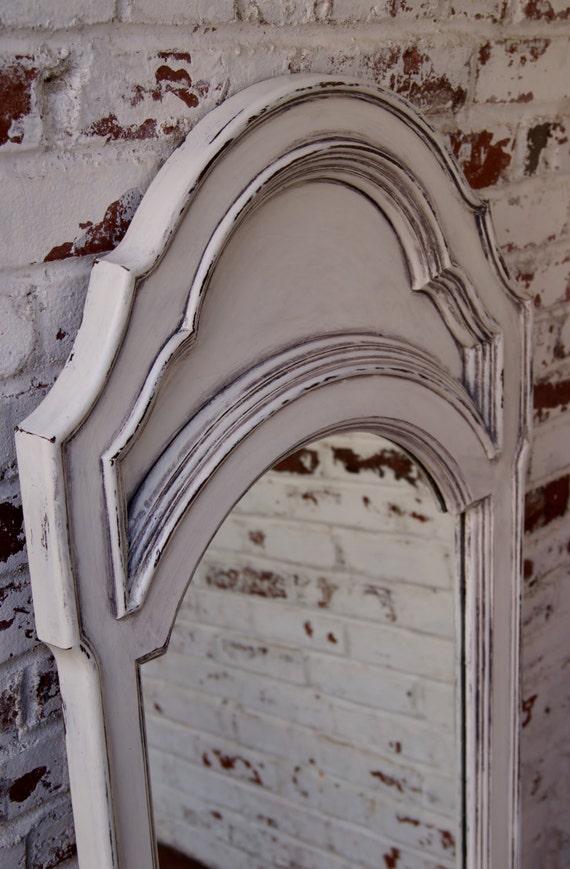 Shabby chic peinture vintage de craie blanche de plancher ou for Peinture shabby chic