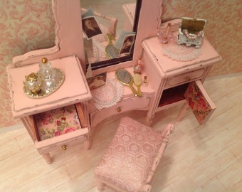 Dollhouse Miniature Distressed Pink Vanity with Stool