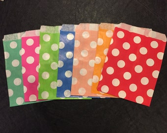 Large Polka Dots Paper Bag, Party Treat Bag, Candy Bag, Favor Bags, Your Choice of Various Colors – 25 Bags Total